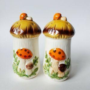 Sears Merry Mushroom 1976 Salt  Pepper Shaker Set